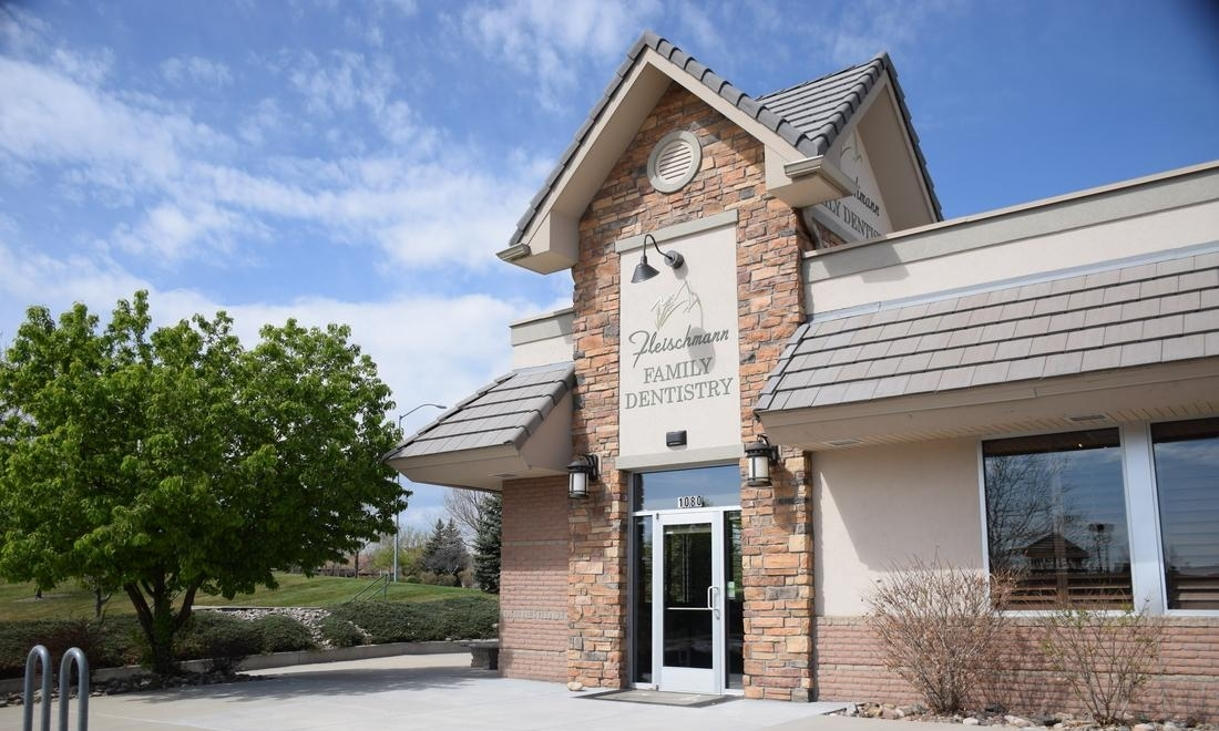 Front of office building at Fleischmann Family Dentistry in Broomfield, CO
